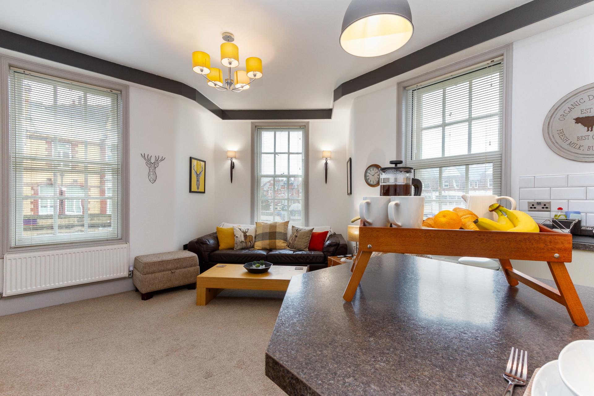 Open plan lounge-kitchen