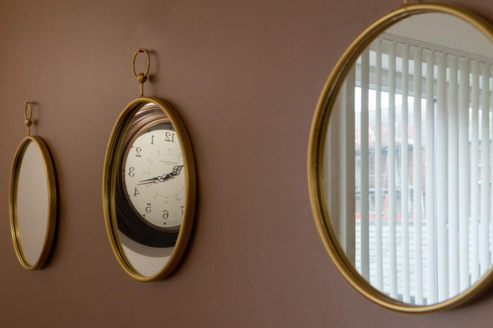 APT 4 Duckworth mirrors