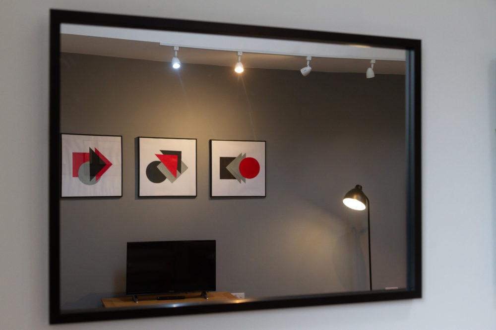 APT 5 Duckworth lounge artwork mirror