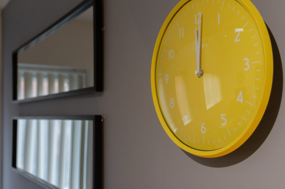 APT 6 Duckworth clock