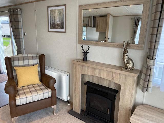 Guddlebeck chair fireplace 3