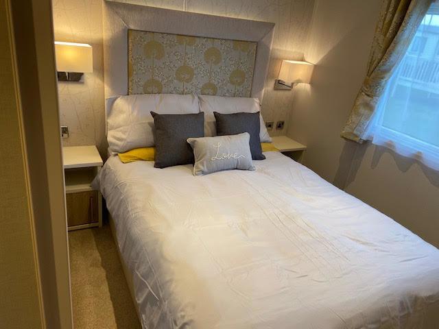 Guddlebeck master bed